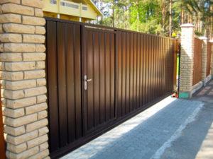 Откатные ворота с калиткой в Чехове